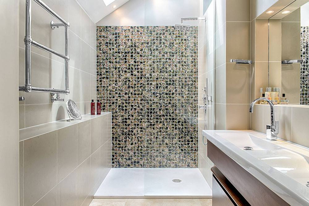 How to make your bathroom feel bigger